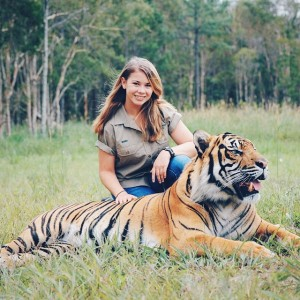 16-year-old-bindi-irwin-crocodile-hunter-fathers-legacy-australia-zoo-4