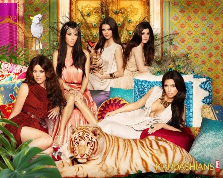 Keeping-Up-with-the-Kardashians-HD-Wallpapers8