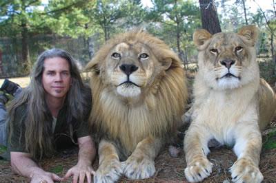 doc_lion_bio