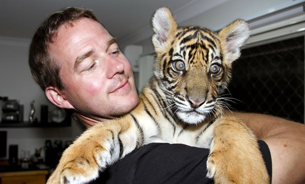 Meet_the_man_who_keeps_big_cats_at_home